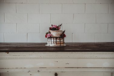 Cake by Flattycakes Photo by Amber Koelling Photography